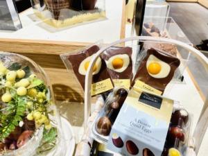 カフェ使いも最高【ホテルショコラ】でチョコ三昧♪イギリス高級チョコレート店の実力!(流山おおたかの...
